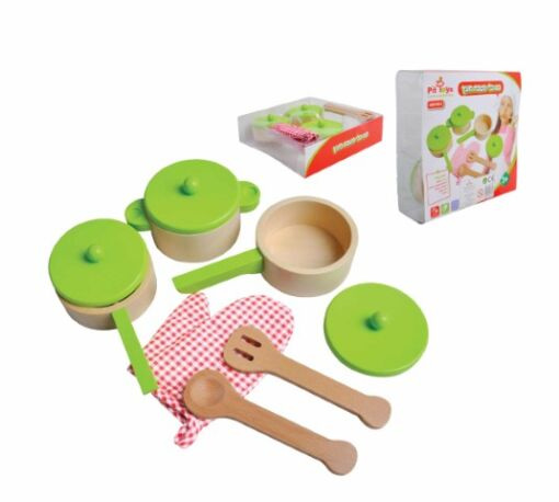 סט כלי מטבח מעץ משולב צבע ירוק הכולל מחבת, שני סירים, כפפת חום, וכלי הגשה.