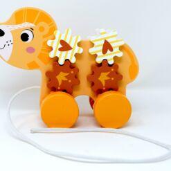צעצוע משיכה מעץ מלא לתינוקות, אריה נגרר, הכולל פעלולון להתפתחות הילד, חוט נשיאה וגלגלים