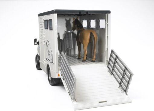 BRUDER - ברודר מרצדס בנץ MB Sprinter להובלת חיות, מוביל סוס מרוצים עם סוס